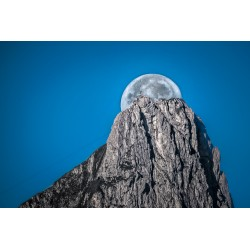 Moon over the Stockhorn